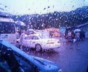 雨の中の撮影